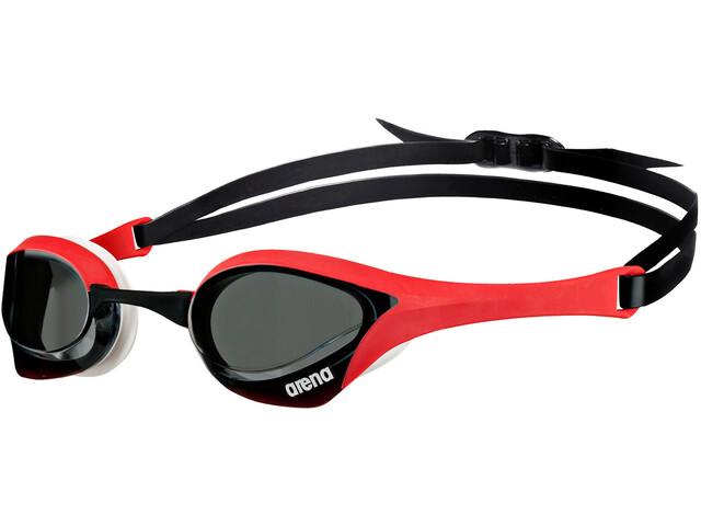 c5d0e76d1848cc arena Cobra Ultra - Lunettes de natation - rouge noir sur CAMPZ !